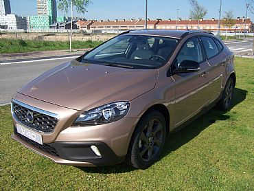 VOLVO V40 1.6 115 cv CROSS COUNTRY MOMENTUM 5p Manual